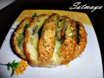 garlic cheesy bread1